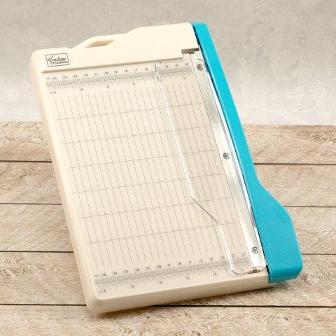 ADCO 726343 - Couture Creations Mini Guillotine Trimmer